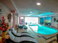 Una piscina interna per tutte le stagioni