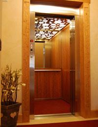 L'ascensore dell'albergo