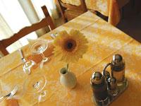 Tavolo in sala da pranzo