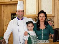 La Famiglia Valente saprà accogliervi sempre con cortesia e professionalità