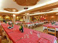 La sala da pranzo dell'Albergo Col del Sole