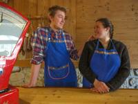 Sara e Alessandro nel punto vendita Frigo Stöff di Canove