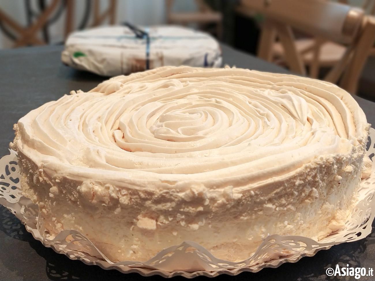 Ricetta Torta Ortigara.Torta Ortigara Pasticceria Carli Altopiano Di Asiago 7 Comuni