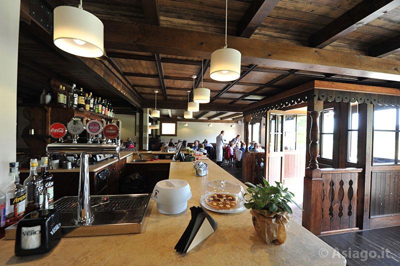 I ristoranti dell 39 altopiano di asiago 7 comuni - Bancone bar casa ...