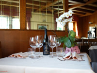 dettaglio tavolo ristorante des alpes