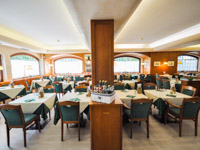 sala ristorante hotel la lepre bianca