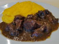Gulasch all' ungherese con polenta del Rifugio Campolongo