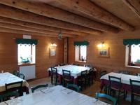 La calda atmosfera delle sale da pranzo in legno