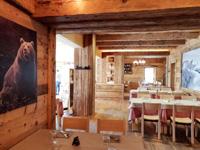 Dettagli alle pareti del Ristorante Val Formica